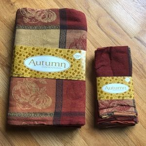 Thanksgiving/Autumn Table Cloth and Napkins. NEW